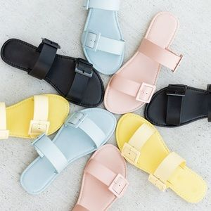 Shoes - Pink double strap buckle slip on slide sandals